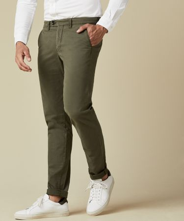 Army groen garment dyed chino